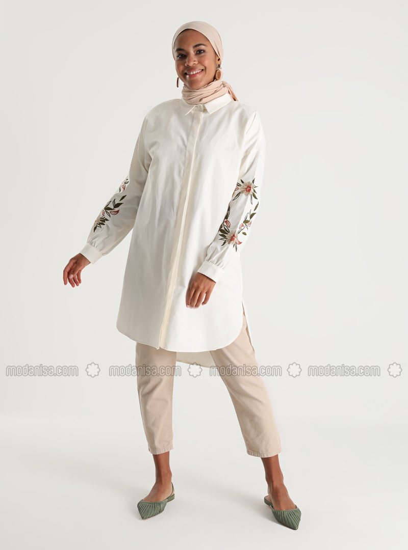 Ecru - Point Collar - Tunic