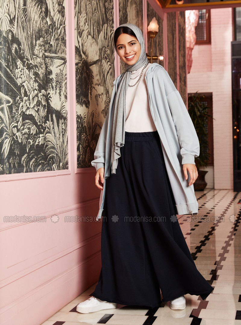 Soft Touchings Oxford Leg Trousers Skirt- Navy Blue