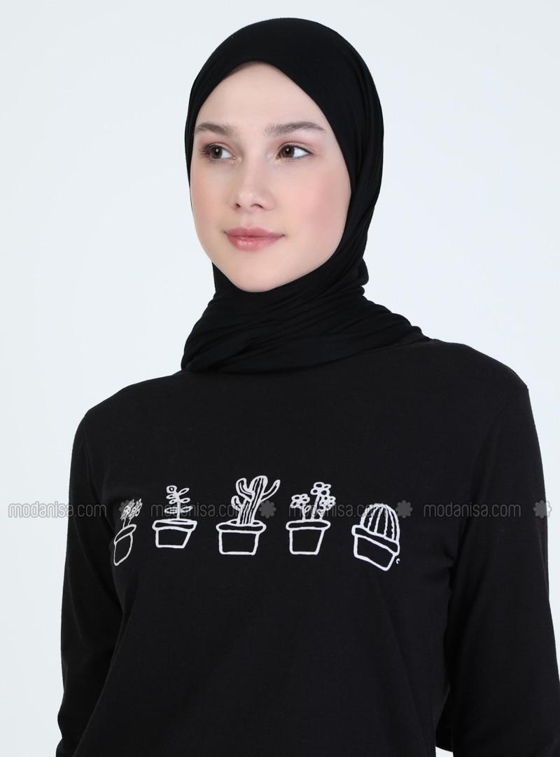 Black - Crew neck - Tunic