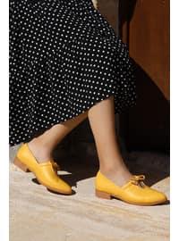 Mustard - Flat Shoes