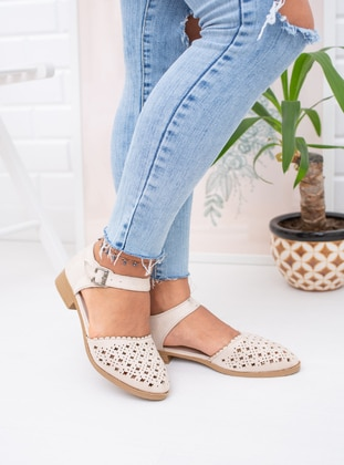 Nude - Casual Shoes
