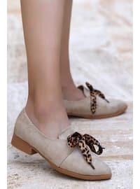 Cream - Flat Shoes
