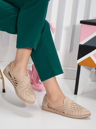 Beige - Shoes - Ayakkabı Frekansı
