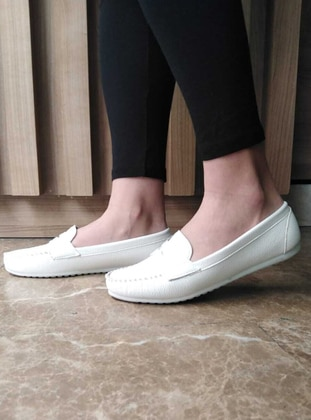 Flat - White - Casual Shoes