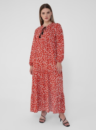 Red - Floral - Unlined - Crew neck - Plus Size Dress