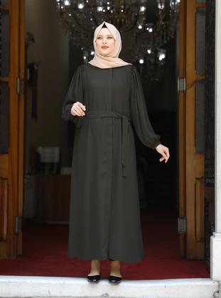 - Crew neck - Unlined - Plus Size Abaya