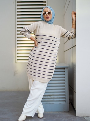 - Stripe - Crew neck - Unlined - Knit Tunics