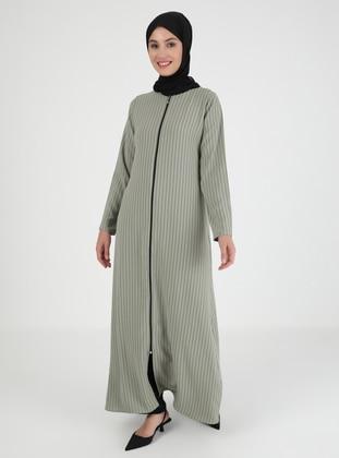- Stripe - Crew neck - Abaya