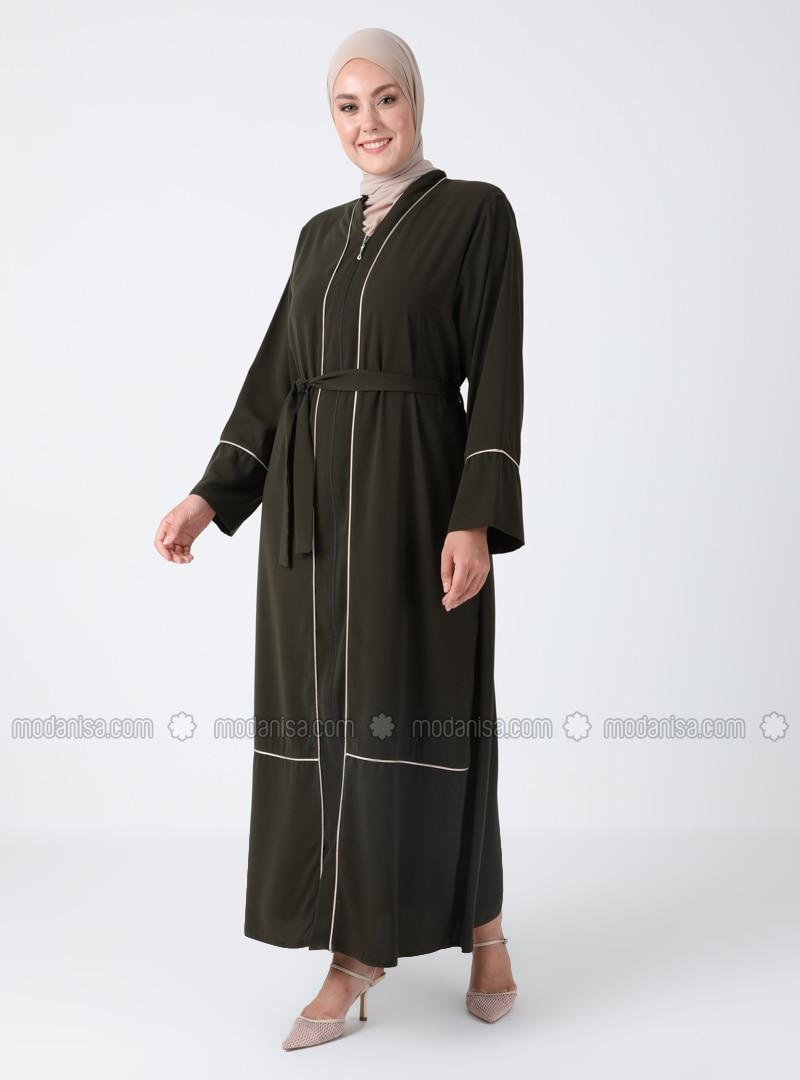 - Crew neck - Plus Size Abaya